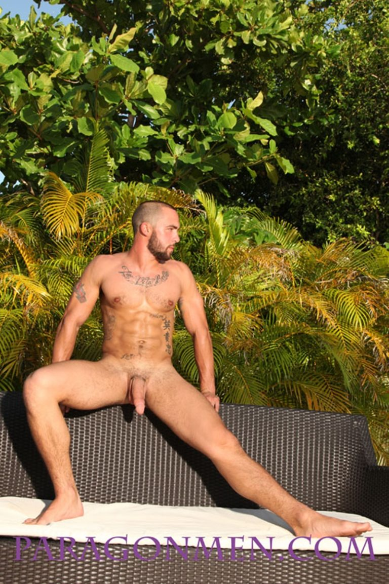 ParagonMen Riley Reynolds John Riley Paragon Men sexy big muscle man tattoo massive muscled hunk huge straight cut dick long large 002 gay porn sex gallery pics video photo 768x1153 - Riley Reynolds a.k.a John Riley strips naked and jerks his long dick