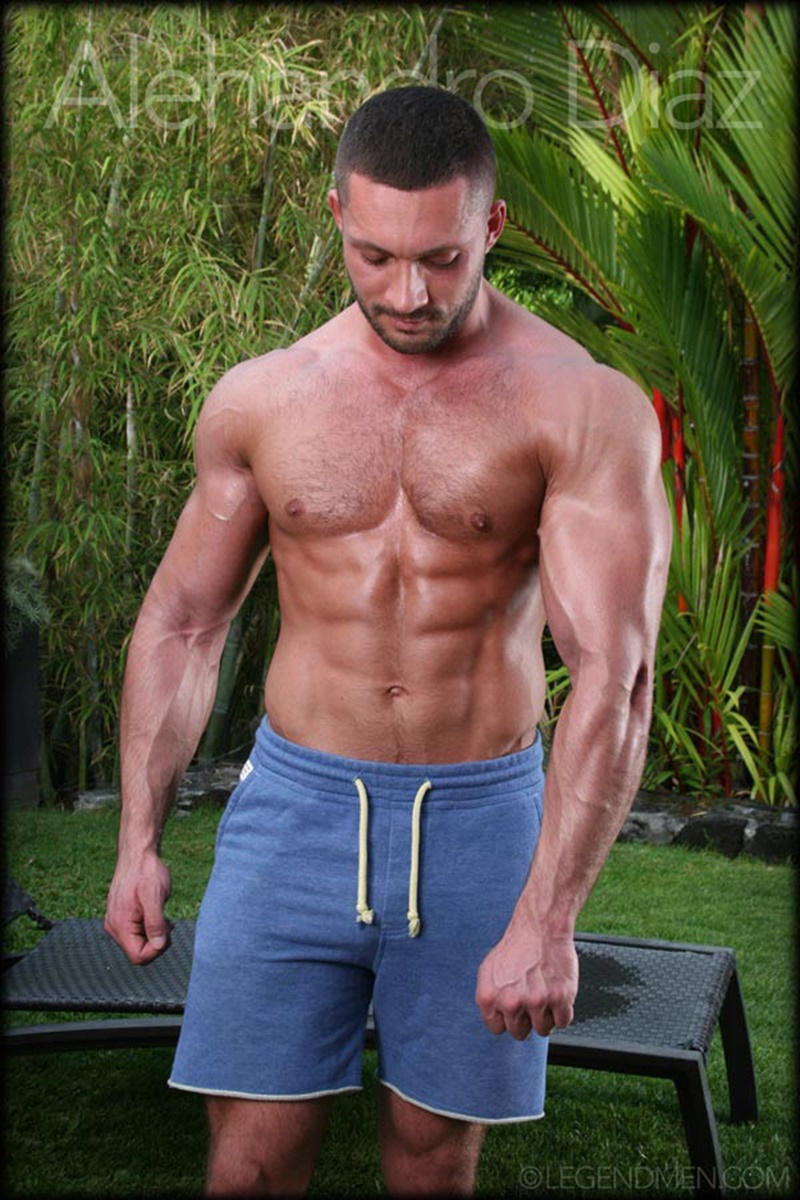 legendmen-tanned-naked-big-muscle-hunk-bodybuilder-alehandro-diaz-jerk-massive-9-inch-uncut-dick-cumshot-orgasm-big-arms-legs-006-gay-porn-sex-gallery-pics-video-photo