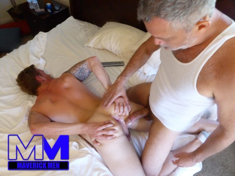 MaverickMen older naked mature gay guy Sean fucks straight man Dax cum asshole jizz bareback ass fucking anal rimming 001 gay porn sex gallery pics video photo 768x576 - Maverick Men lunge, squat, fuck