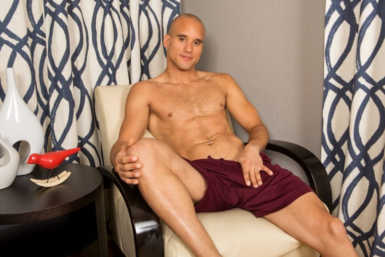 SeanCody sexy naked muscle guy Frankie shaved hairy chest big thick long cock solo jerking bubble butt ass hole low hanging balls 002 gay porn sex gallery pics video photo 768x512 - Sexy big muscle Caribbean hunk Frankie jerks out a huge cumload