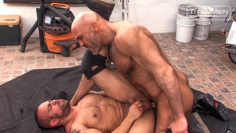 titanmen-naked-older-matur-muscle-men-parole-officer-jesse-jackman-fucks-ass-parolee-lorenzo-flexx-big-thick-long-dick-cocksucker-017-gay-porn-sex-gallery-pics-video-photo