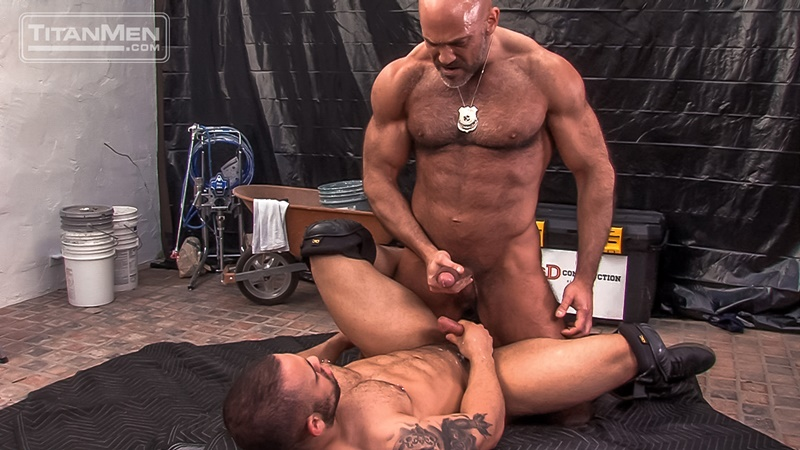 titanmen-naked-older-matur-muscle-men-parole-officer-jesse-jackman-fucks-ass-parolee-lorenzo-flexx-big-thick-long-dick-cocksucker-021-gay-porn-sex-gallery-pics-video-photo