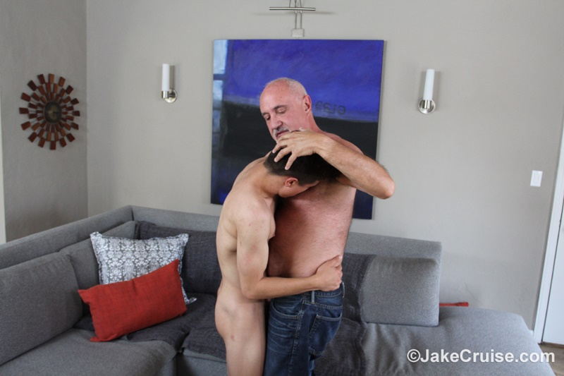 JakeCruise sexy naked young dude Josh Hunter big dick blowjob massage happy ending older mature guy Jake Cruise 010 gay porn sex gallery pics video photo - Josh Hunter's big dick serviced by older mature guy Jake Cruise