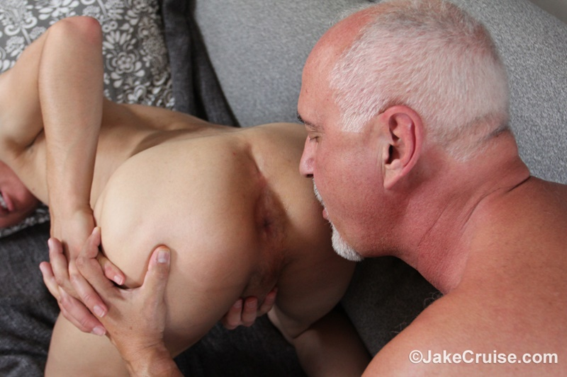 JakeCruise sexy naked young dude Josh Hunter big dick blowjob massage happy ending older mature guy Jake Cruise 020 gay porn sex gallery pics video photo - Josh Hunter's big dick serviced by older mature guy Jake Cruise