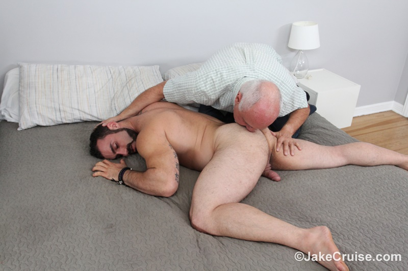 JakeCruise hairy chest naked big muscle dude Jaxton Wheeler big dick sucked Jake Cruise mature older guy younger blowjob 013 gay porn sex gallery pics video photo - Jaxton Wheeler's big dick serviced by Jake Cruise