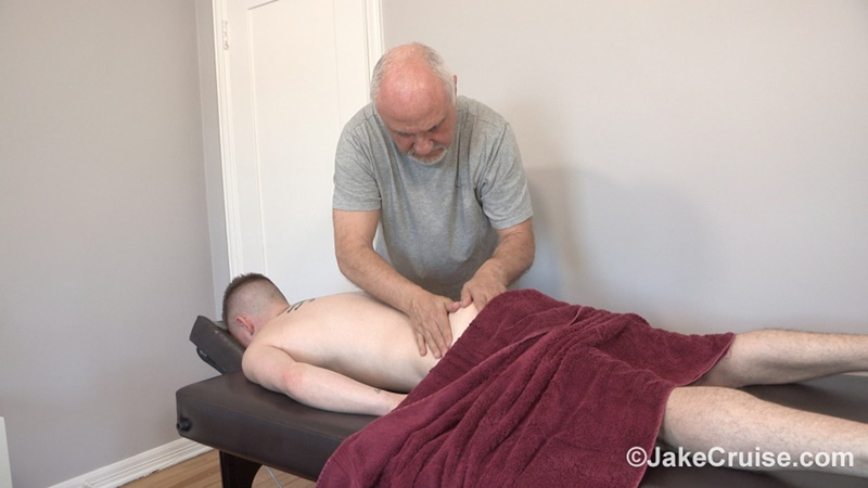 JakeCruise sexy older mature gay male Jake Cruise sucks blowjob Kyler Ash big rock hard cock young sexy naked dude happy ending 003 gay porn sex gallery pics video photo - Jake Cruise services Kyler Ash big rock hard cock