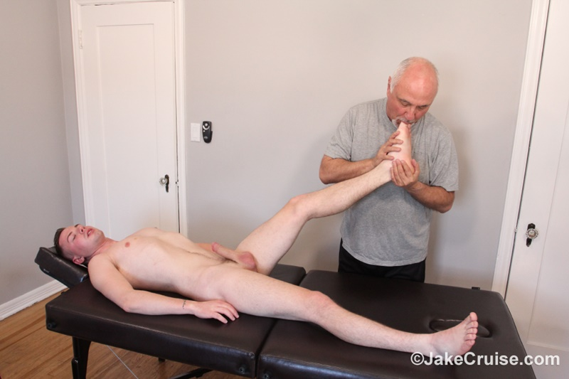 JakeCruise sexy older mature gay male Jake Cruise sucks blowjob Kyler Ash big rock hard cock young sexy naked dude happy ending 006 gay porn sex gallery pics video photo - Jake Cruise services Kyler Ash big rock hard cock