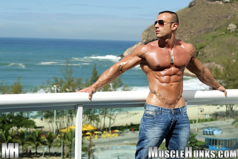 MuscleHunks hot nude Italian dude big muscle bodybuilder Gianluigi Volti strips naked jerks his huge muscle cock bubble butt ass 002 gay porn sex gallery pics video photo 768x512 - Sicilian big muscle bodybuilder Gianluigi Volti strips naked and jerks his huge muscle cock