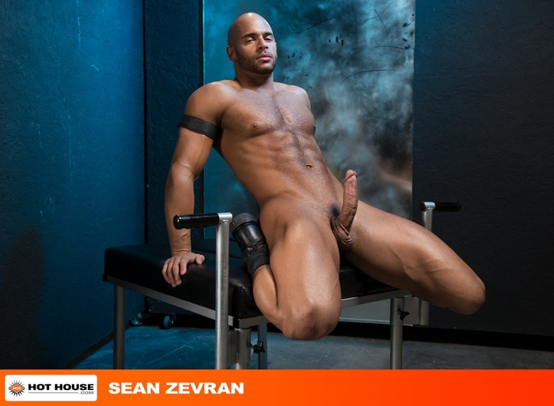 Hothouse gay porn nude muscle dudes sex pics Sean Zevran big thick cock Beaux Banks tight asshole bubble butt fucking 002 gay porn sex gallery pics video photo - Sean Zevran sticks his big thick cock into Beaux Banks' tight asshole