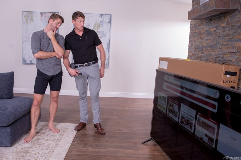 FalconStudios Wesley Woods big cock sucks Pierce Paris hung nude muscle stud anal rimming 005 gallery video photo - Wesley Woods pulls Pierce Paris' pants to his ankles and sucks the hung studs big dick